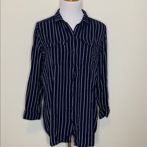 H&M Divided Navy Striped Button Down Top (T56)